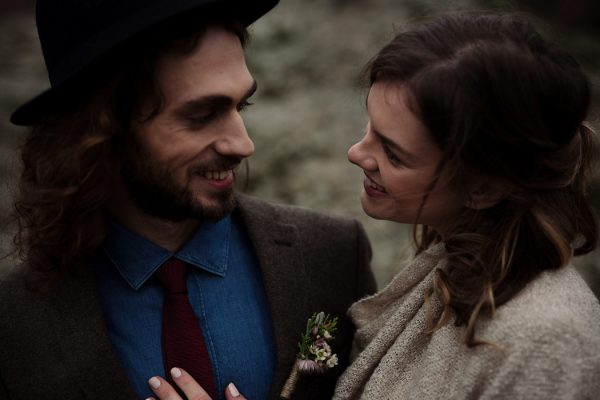 rugged-winter-cliffside-elopement-in-greece-13