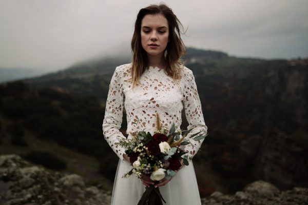 rugged-winter-cliffside-elopement-in-greece-19
