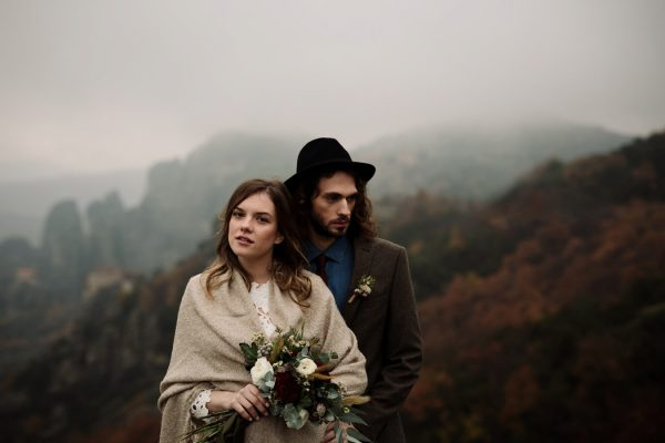 rugged-winter-cliffside-elopement-in-greece-9
