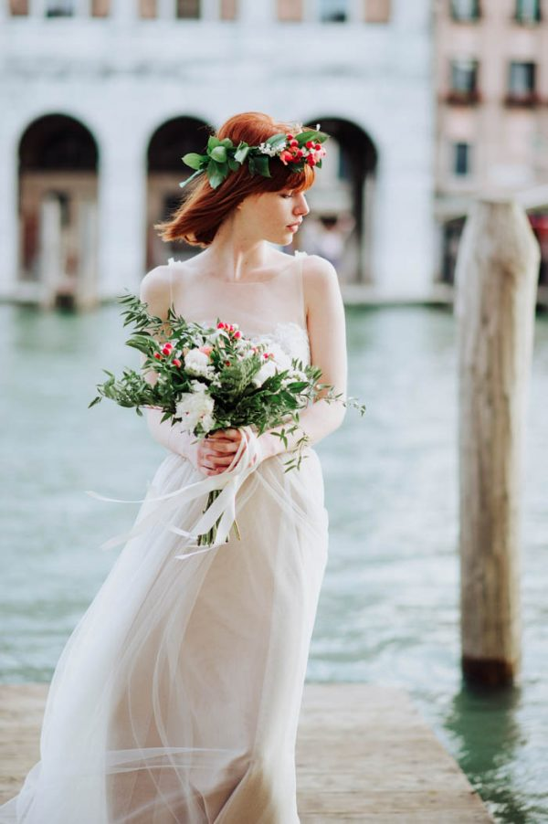 travel lovers will adore this venice elopement inspiration
