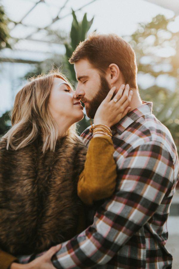 Dating-Mann mit Engagement