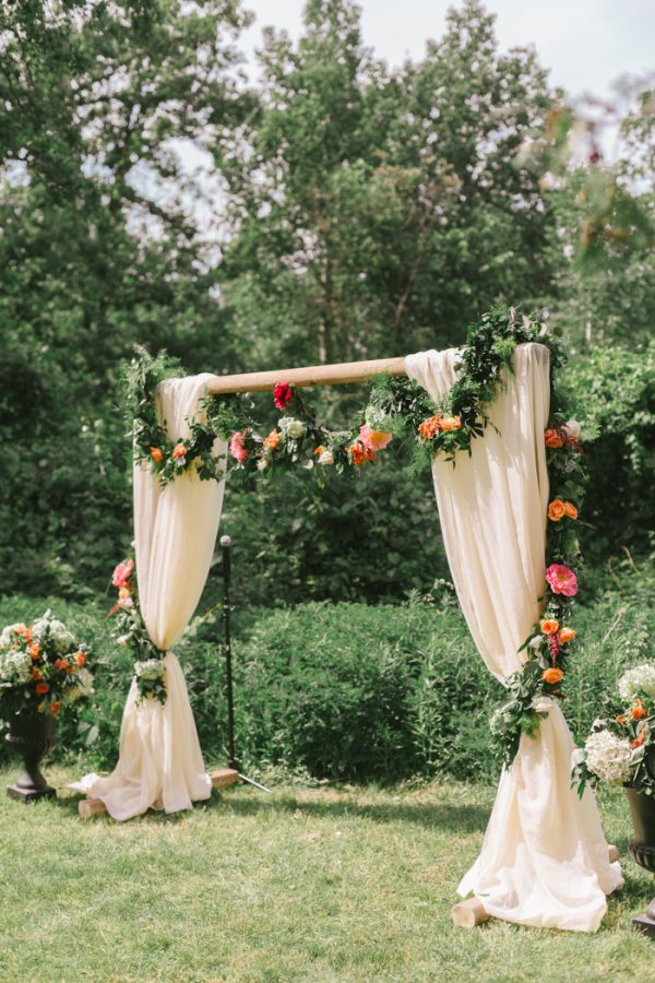 Colorful Ontario Wedding At The Slit Barn Junebug Weddings