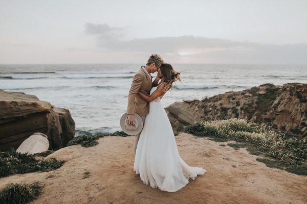 Barefoot seaside sunset cliffs wedding in san diego junebug weddings the wedding team junglespirit Image collections
