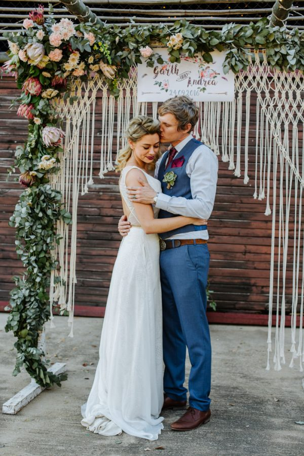 This boho wedding at the cowshed wowed with a touch of rock n roll this boho wedding at the cowshed wowed with a touch of rock n roll junebug weddings junglespirit Choice Image