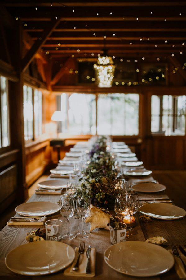Lavender and indigo french wedding at cabanes bartherotte for Cabane indigo