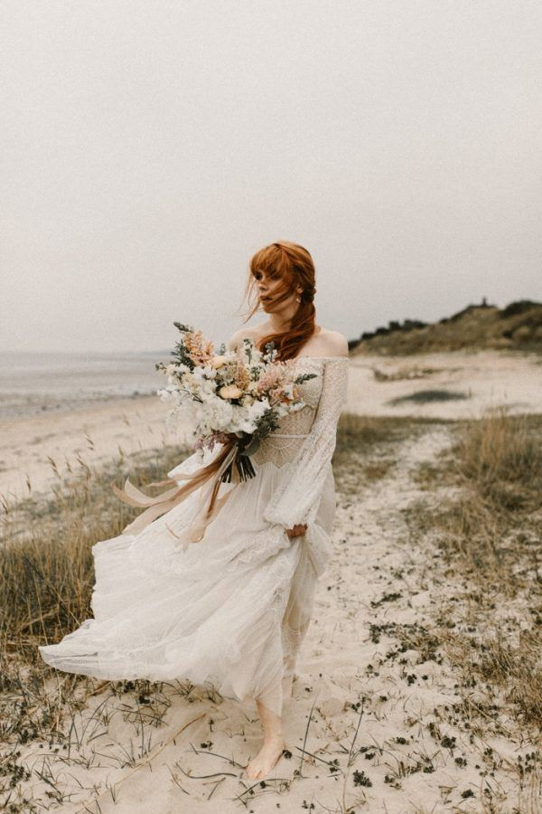 These Coastal Inspired Bridal Style Looks Are Perfect For A Bohemian Beach Wedding