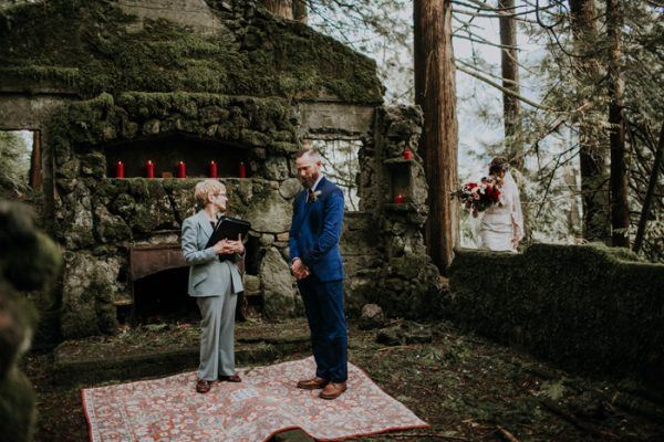 Candlelit Columbia Gorge Elopement At The Skamania Old Stone House Junebug Weddings