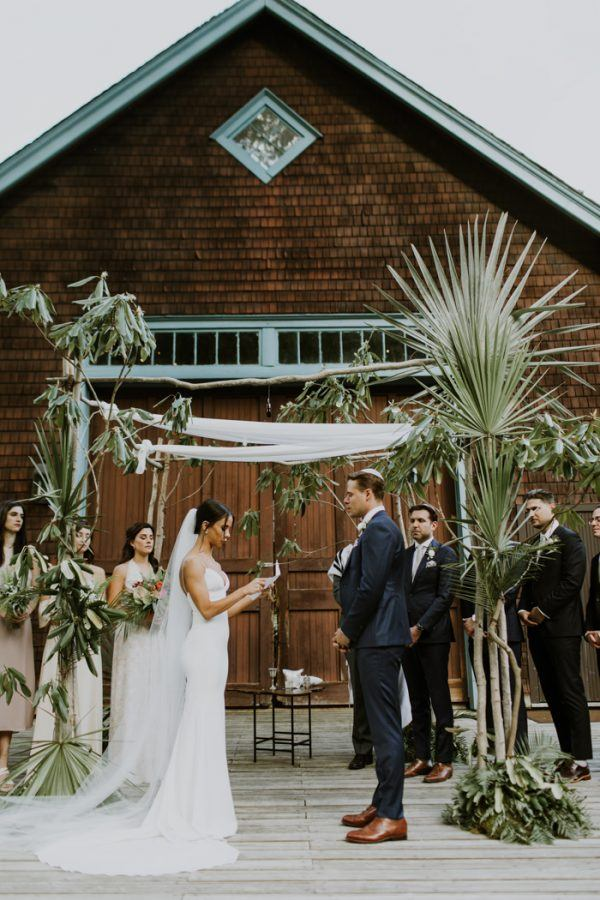 Magical rustic stonover farm wedding in the berkshires junebug dont get too obsessed with one idea of how your wedding should go things will change a lot before you nail down all of the details so give yourself room solutioingenieria Image collections