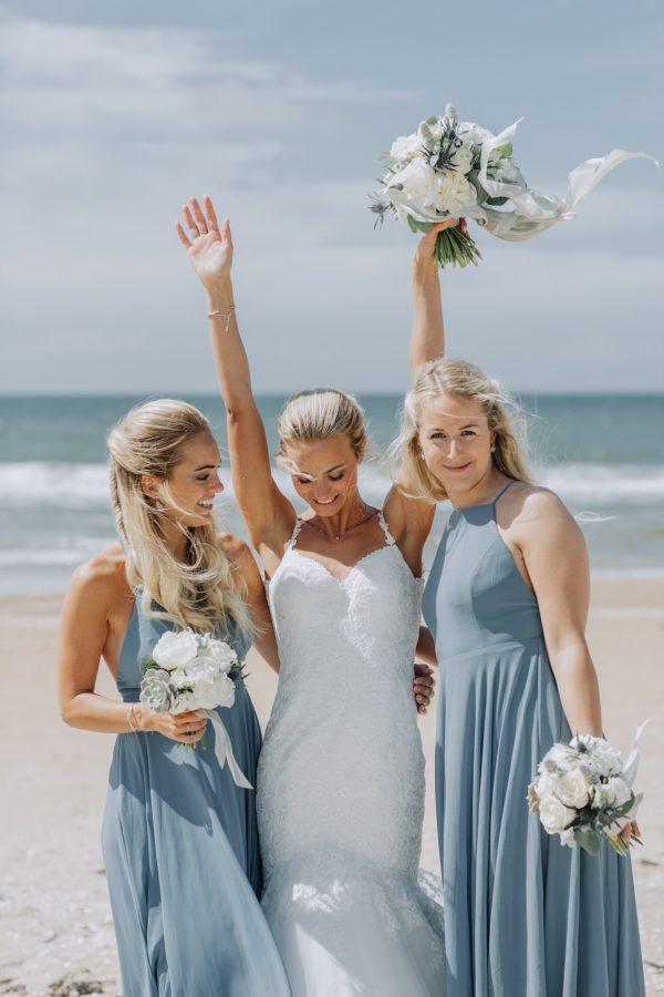http://junebugweddings.com/wedding-blog/wp-content/uploads/2017/08/0034-600x900.jpg