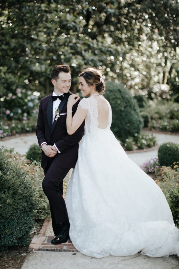 The Duke Mansion S Lush Scenery Was Perfect For Arianne And Steven Elegant Garden Wedding With Fls Being So Important To She Knew There