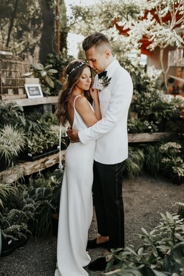 Earthy Luxe Oregon Wedding at Castaway Portland   Junebug Weddings