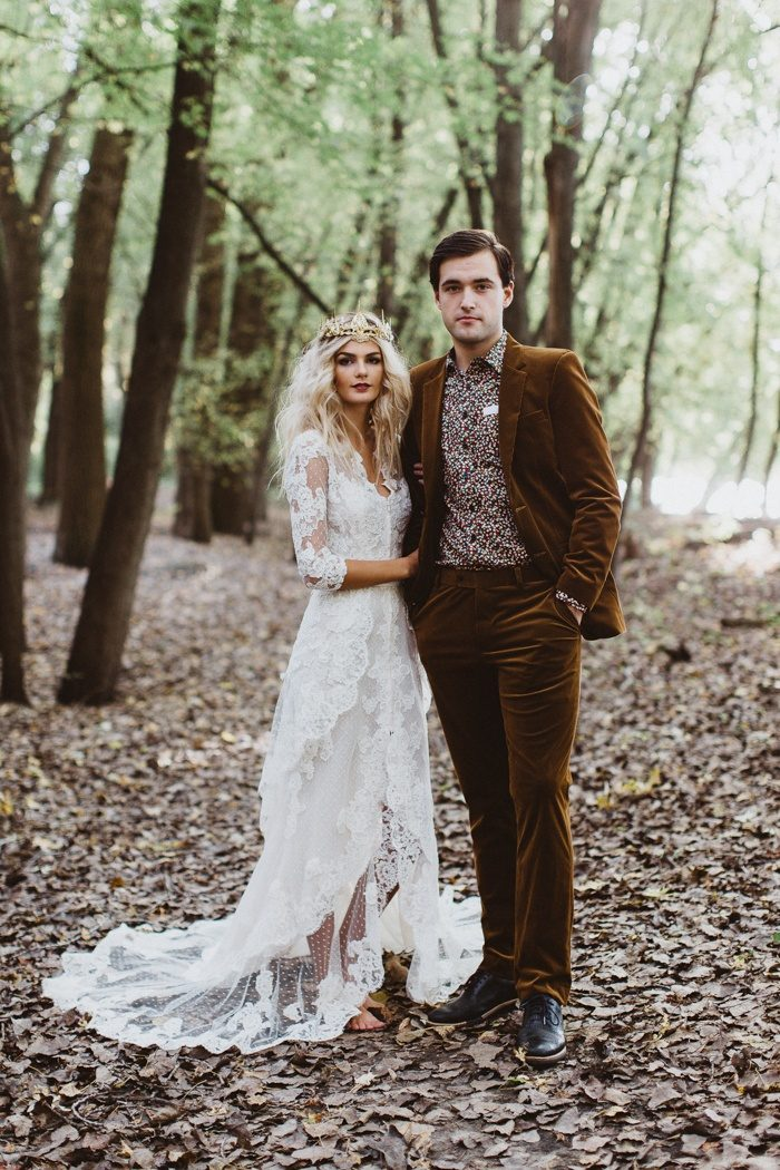 Rebel Rabbit Photography And A Team Of Talented Local Minneapolis Vendors Added Handcrafted Touch To This Uniquely Witchy Enchanting Forest Elopement