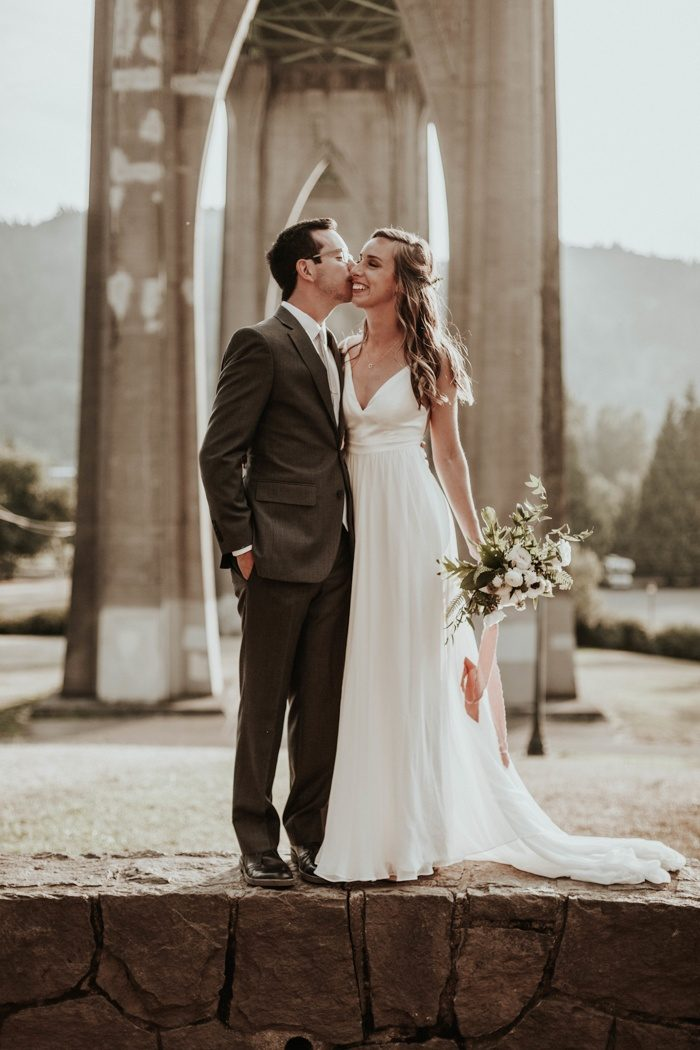 This Portland Wedding At The Colony Was Minimalist With A Touch Of Glam Junebug Weddings