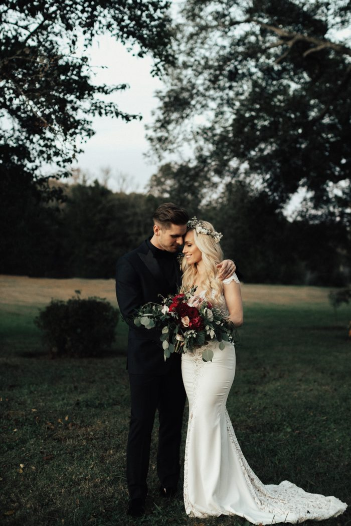 465878fc225 Enchanting Autumn Nashville Wedding at Drakewood Farm