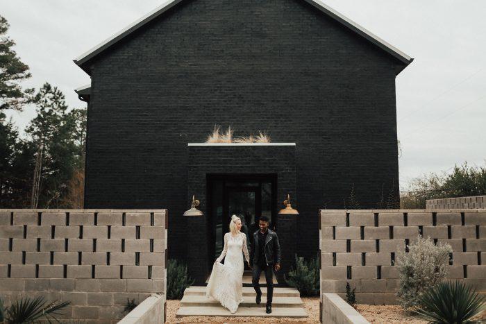 $300 Airbnb Gift Card Giveaway! | Junebug Weddings