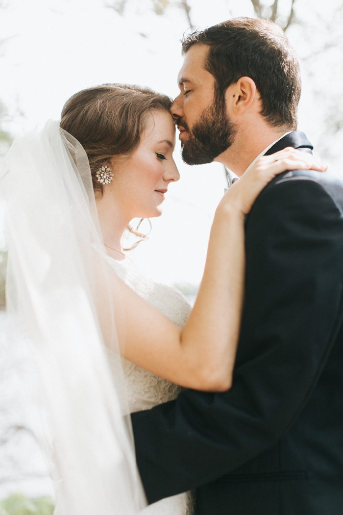 So To Celebrate We Ve Got Riana And Adam S Lovely Lakefront Main Wedding At Migis Lodge Gush Over Today Set In The Woodsy Fairytale Like Venue With A
