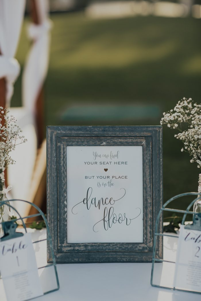 Clever & Punny Wedding Sign Ideas for Every Part of Your Day