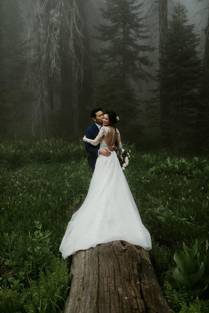 Maggie And Pablo S Sequoia National Park Wedding Is Making Us Want To Fly California Get Lost In This Spectacular Piece Of Nature