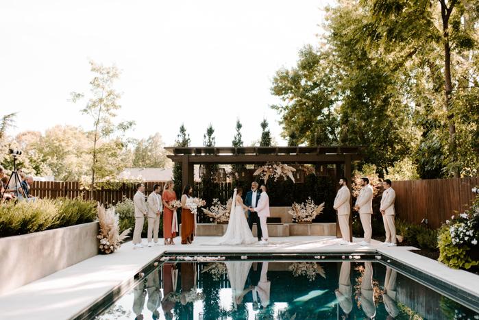 The Ultimate Guide To Planning A Backyard Wedding Junebug Weddings