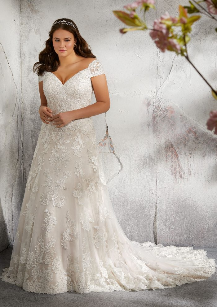 70 Stunning Plus Size Wedding Dresses For 2018 2019 Brides Junebug