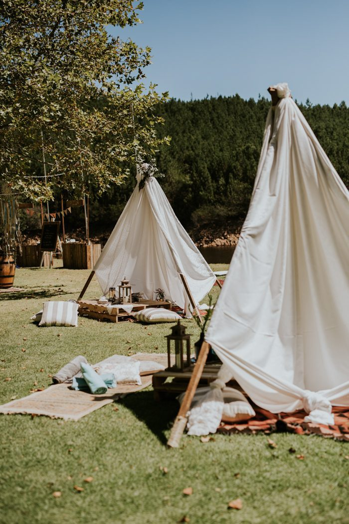 Rehearsal dinner ideas - pic nic with tents
