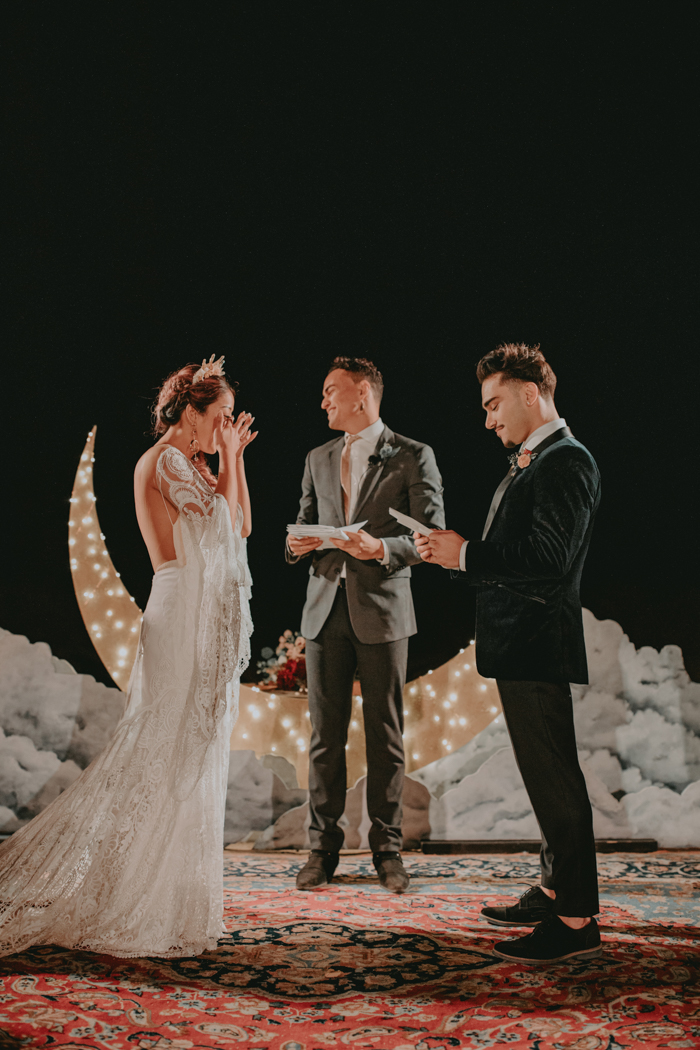 The Ultimate Guide To Planning Your Wedding Ceremony Junebug Weddings