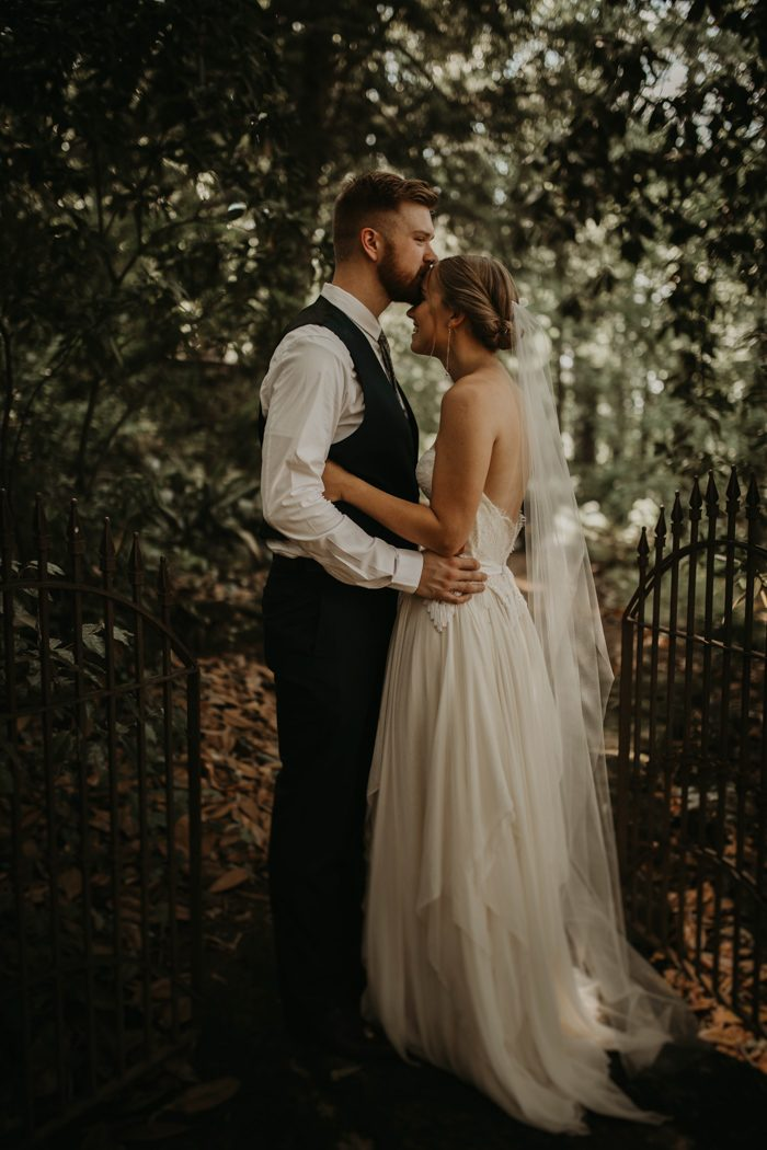Forest wedding wedding blog posts archives junebug weddings rachel and andrews wedding at dunaway gardens was a beautiful mix of bohemian and classic styles the couple wanted mother nature to be the star of the junglespirit Gallery