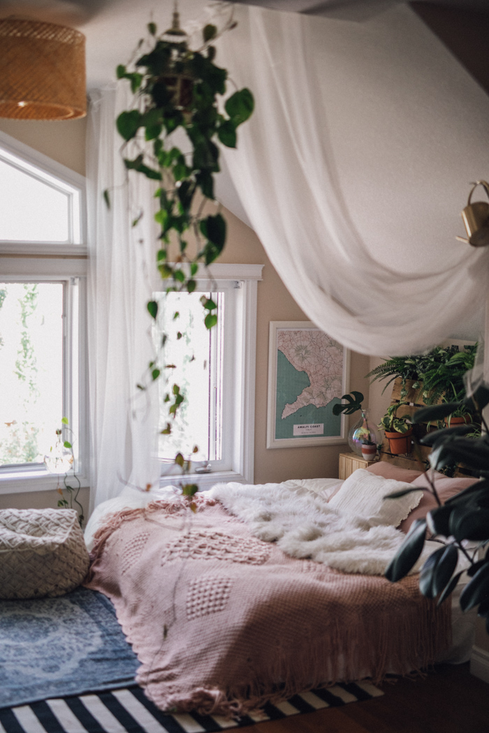 This Boho At Home Couple Shoot Has Us Craving Breakfast In Bed Junebug Weddings