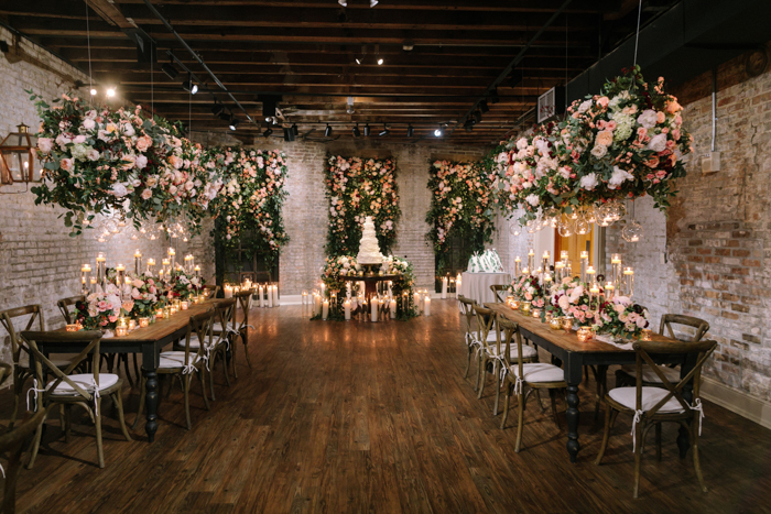 To Great An Indoor Garden That S Just As Gorgeous Outdoor One We Ve Found The Answer With Caitlin And Brooks New Orleans Wedding At Chicory