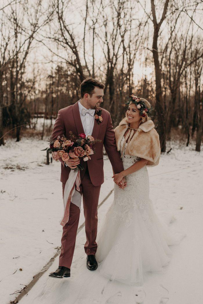 Christmas Wedding.8 Festive Details To Add To Your Christmas Wedding Junebug