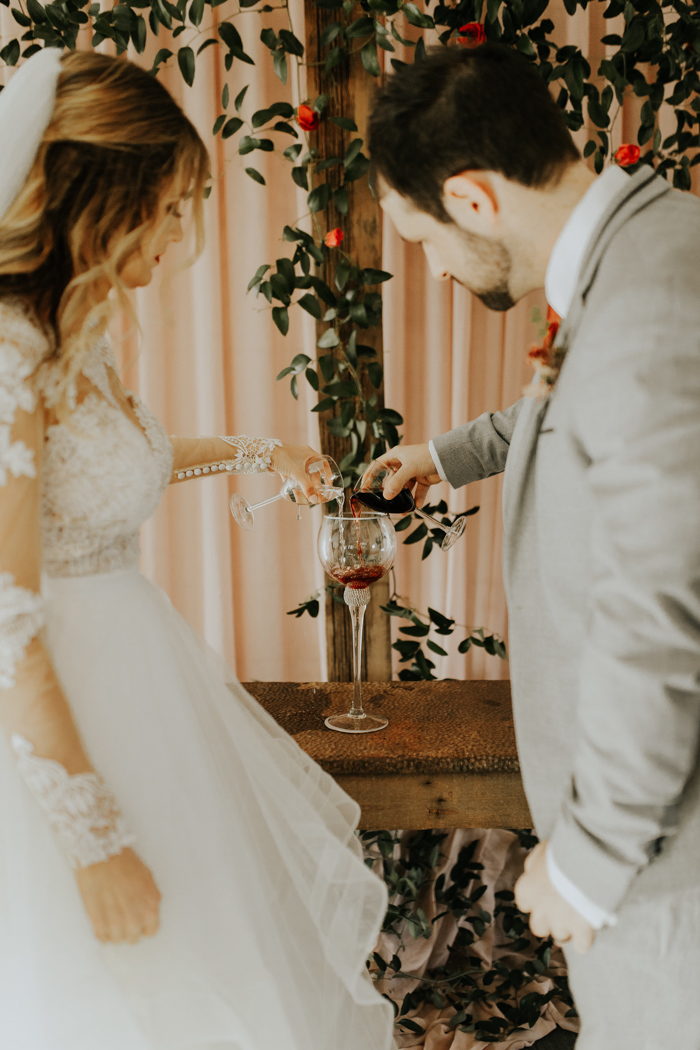This Southern Wedding At Sainte Terre Nailed The Bride S Farmhouse Whimsy Style Junebug Weddings