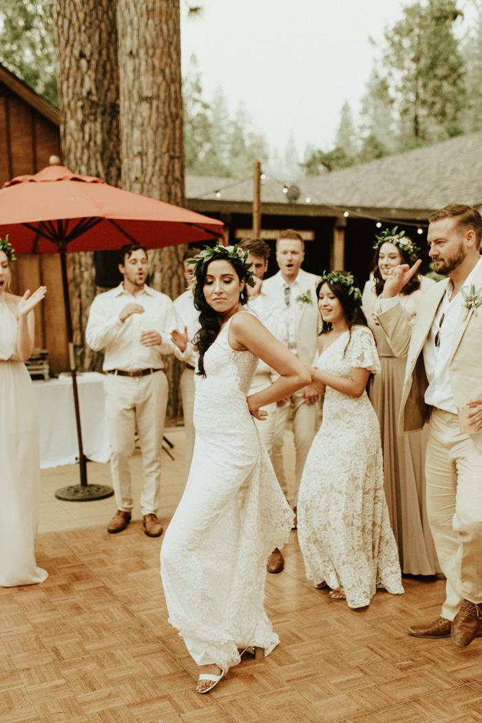 Breathtaking Cream And Tan Yosemite Wedding At Evergreen