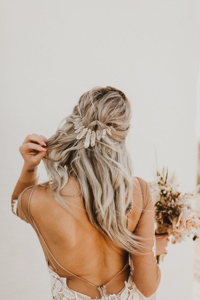 d60cba87c3 The Best Bridal Hair Accessories on Etsy | Junebug Weddings