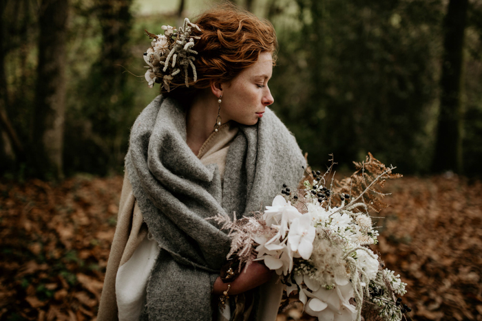 This Intimate Wedding Inspiration at Frickley Lake is Pure Coziness