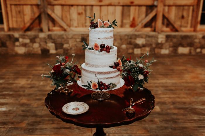 8 Enchanting Wedding Cake Trends For 2019 Junebug Weddings