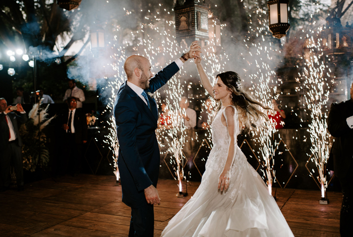 This Antique Inspired Mexican Wedding At Hacienda Acamilpa Brings