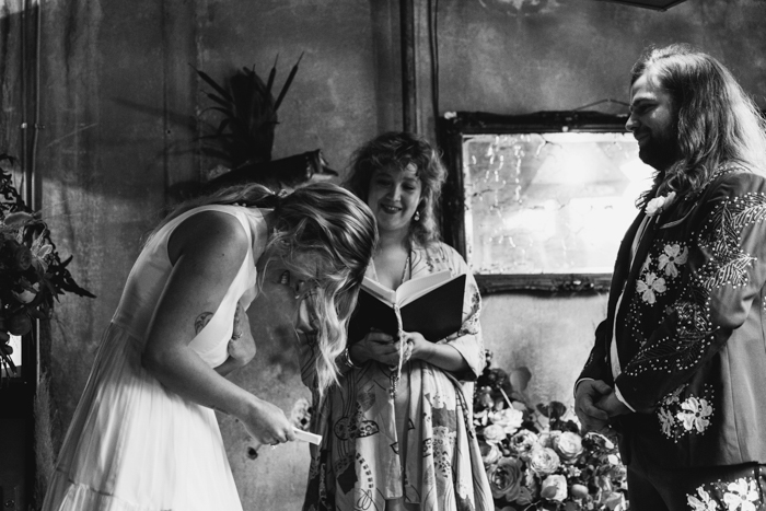These Country Music Lovers Combined Western Fashions And Southern Vintage Flair For Their Buxton Hall Wedding Junebug Weddings