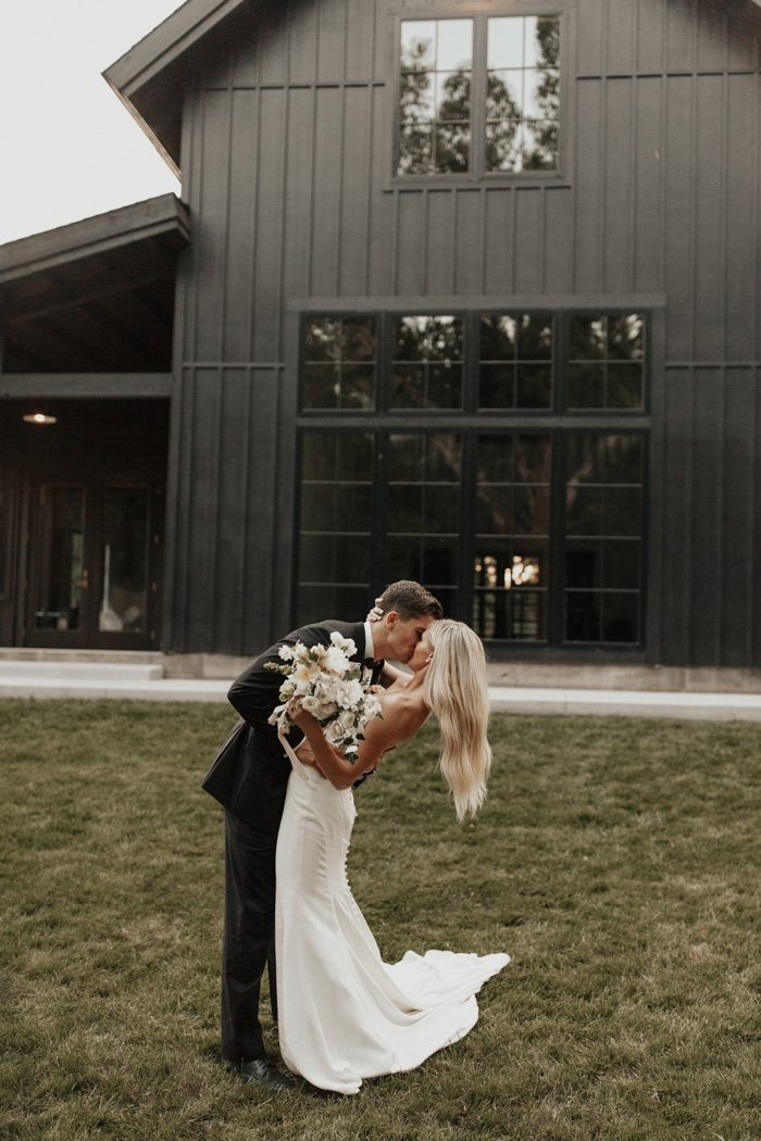 This Spain Ranch Wedding Is The Dictionary Definition Of Soft And Simple Elegance Junebug Weddings