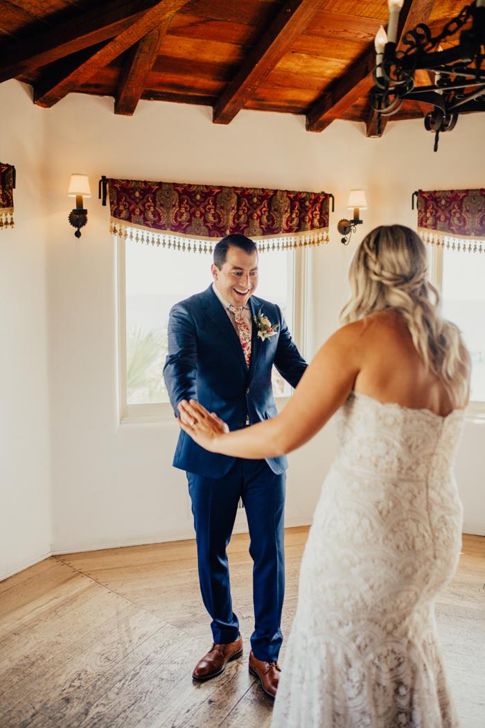 https://junebugweddings.com/wedding-blog/wp-content/uploads/2019/12/colorful-latin-inspired-wedding-casa-romantica-ashley-paige-photography-7.jpg
